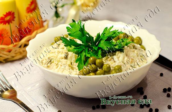 Салат из рыбных консерово