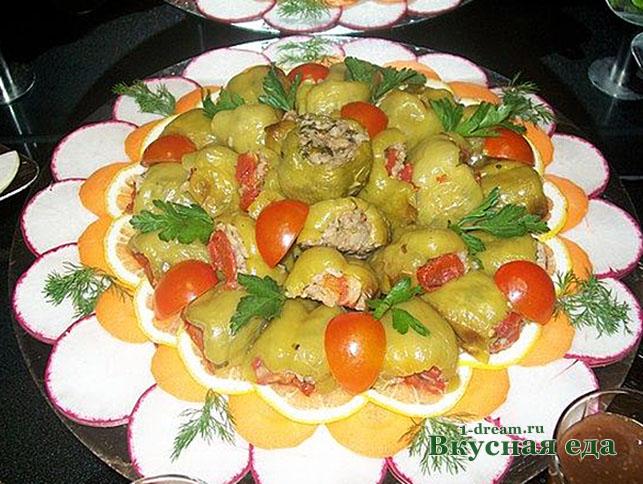 Перец болгарский фаршированный мясом