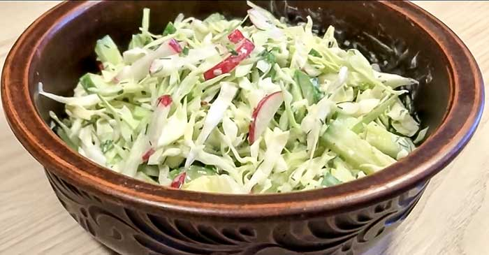 Салат из редиса с капустой и огурцом-рецепт с фото