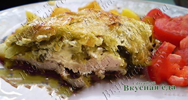 Куриное филе запеченное под сыром с огурцом