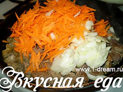 Морковь с луком порезать