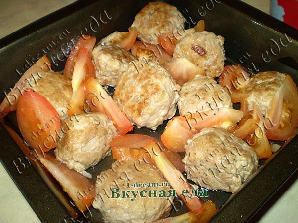 Добавить помидоры в запеканку с мясом