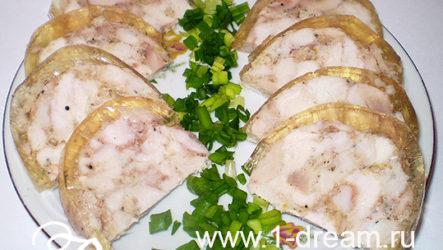 Вкусный куриный рулет с чесночком-рецепт с фото