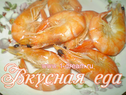 Креветки-украшение салата