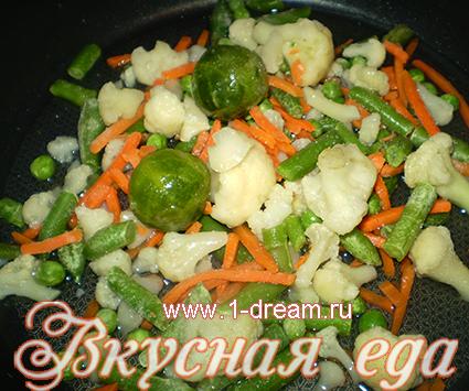 Жарим в масле рис с овощами