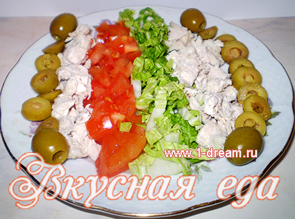 salat-s-kuricej-i-syrom