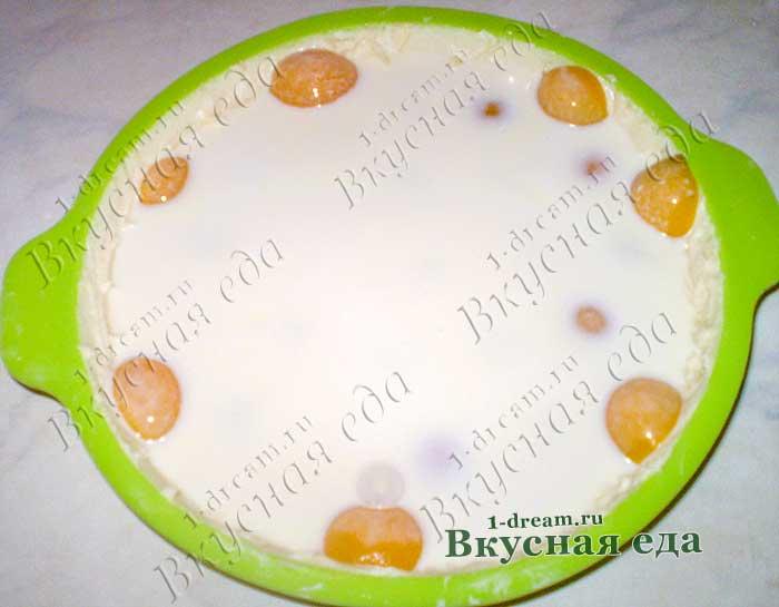 Абрикосовый пирог можно выпекать в духовке