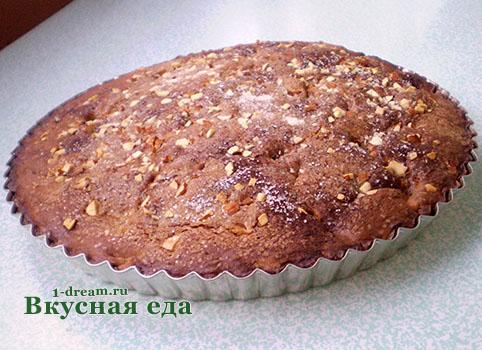 Пирог с персиками готов