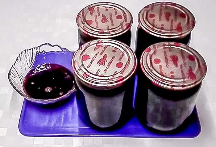Варенье из вишни с косточками-пятиминутка на зиму-рецепт с фото