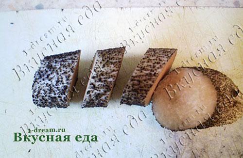 Разрезать ножку подосиновика