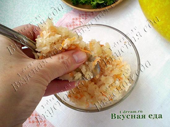 Квашеную капусту положить в винегрет