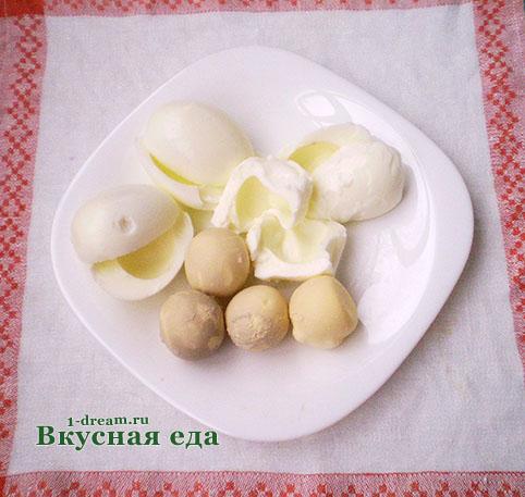 Яйца для салата мимоза с сайрой