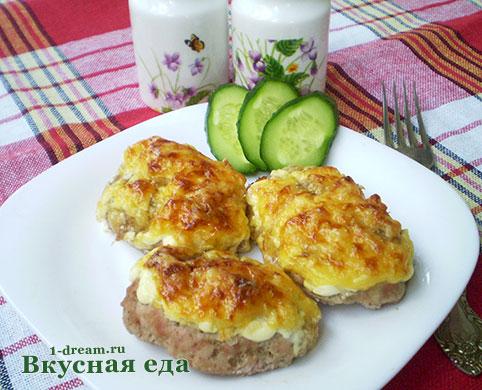 Мясо в духовке под сыром