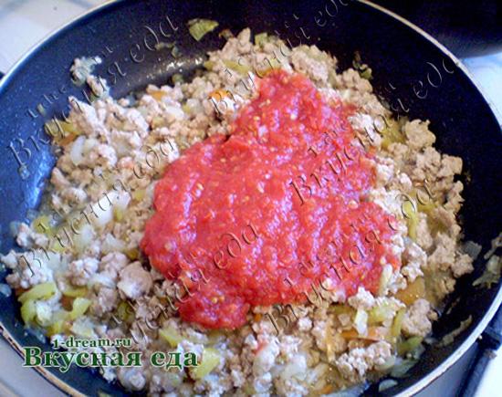 Добавить помидоры для лазаньи домашней