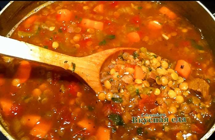 Суп из чечевицы в мультиварке готов