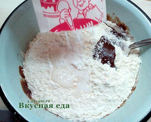 Ванилин в тесто для мраморного кекса