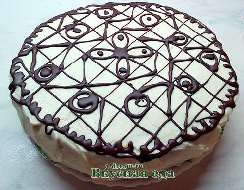 Украшение торта шоколадной глазурю
