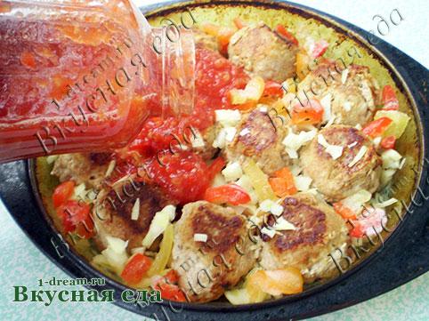 Тефтели в томатном соусе в духовке