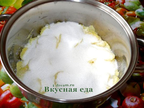 Посыпать сахаром имбирь