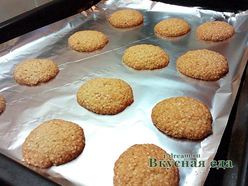 Кунжутное печенье готово