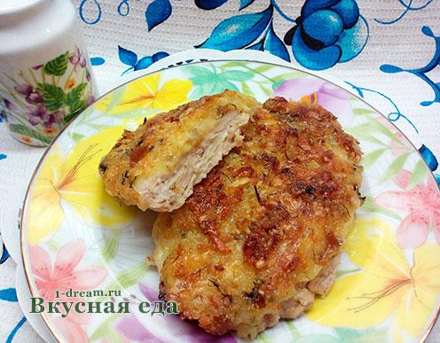 Куриное филе запеченное в духовке под хлебом и сыром.