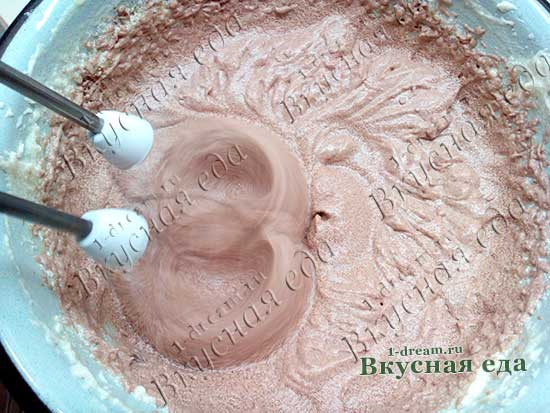 Шоколадный масляный крем для бисквитного торта