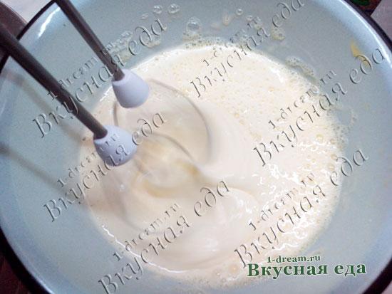 Перемешать смесь для домашнего сыра