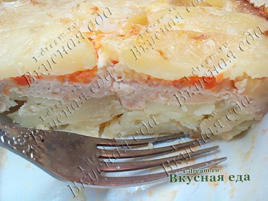 Запеканка из картофеля и курицы готова