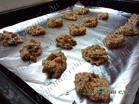 Готово овсяное печенье без масла и сахара