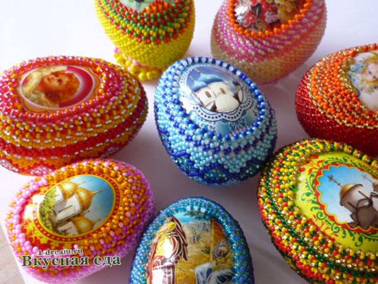Украсить яйца бисером на Пасху