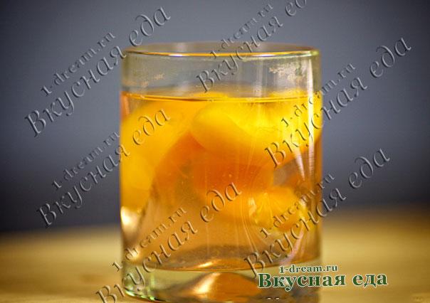 Рецепт компота из персиков в кастрюле