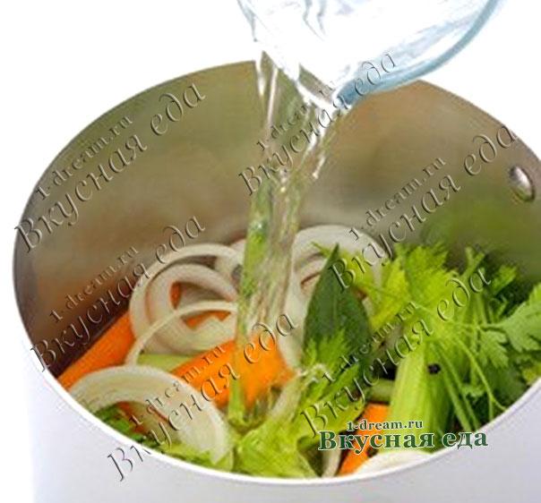 Вода для овощного бульона