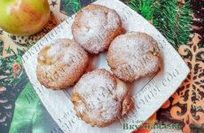 Кекс с яблоками и корицей