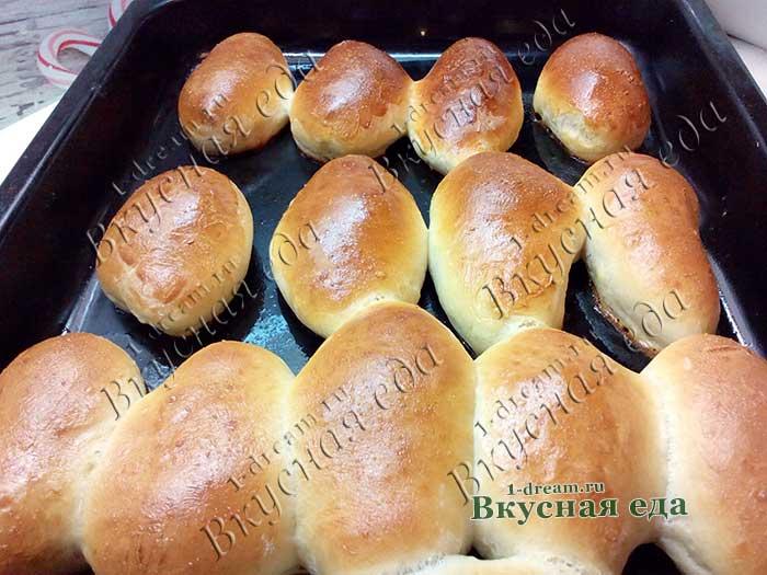 Пирожки с черносливом из дрожжевого теста готовы