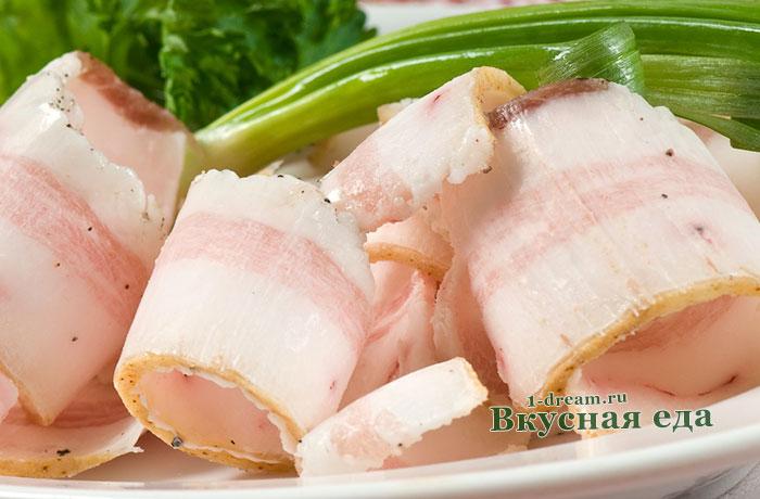 Простой рецепт солить сало с солью