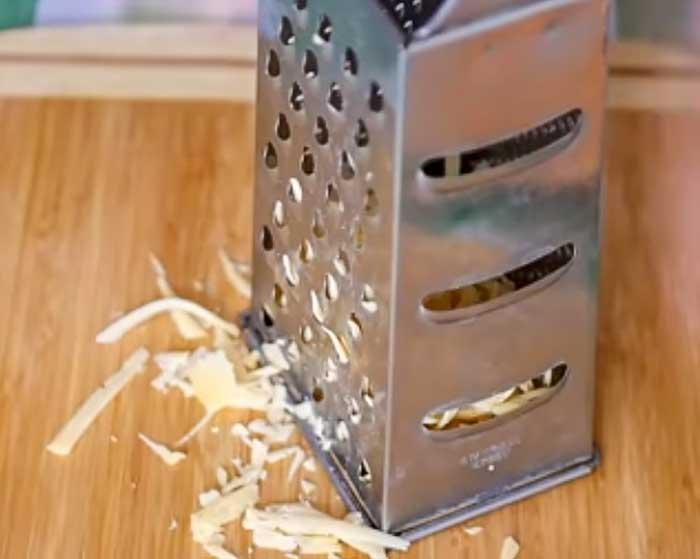Сыр натереть на терке