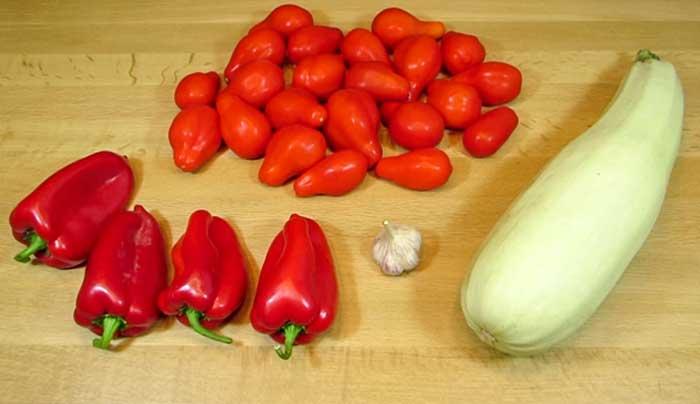 Овощи для салата с кабачками