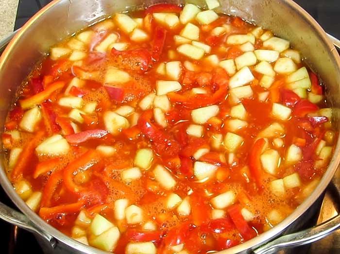 Тушить салат с кабачками