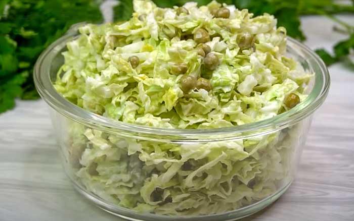 Салат без майонеза с горошком
