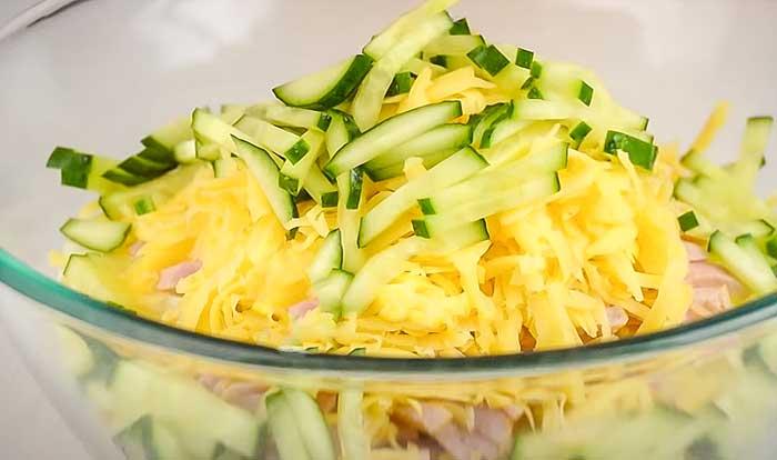 Порезать огурец для салата